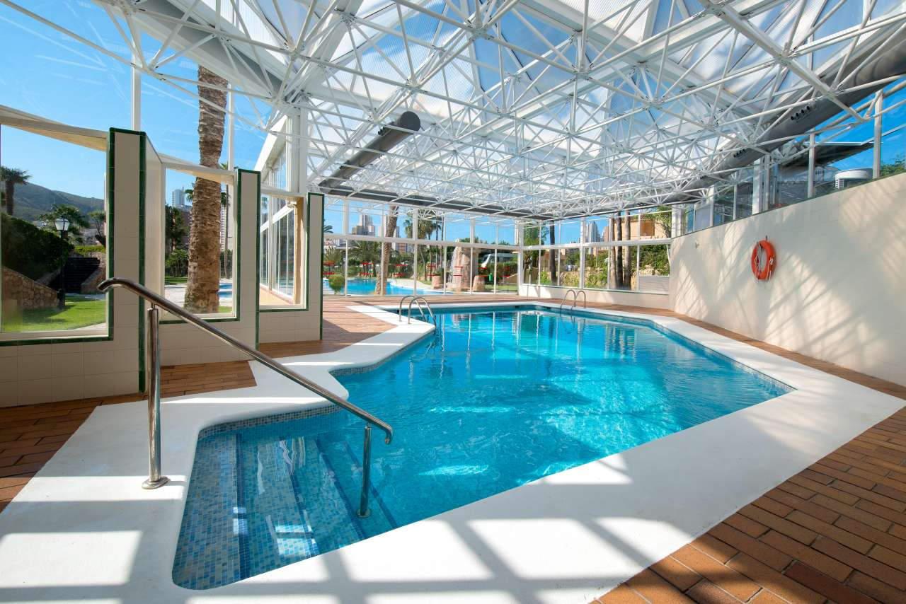 Camping con piscina climatizada en Benidorm