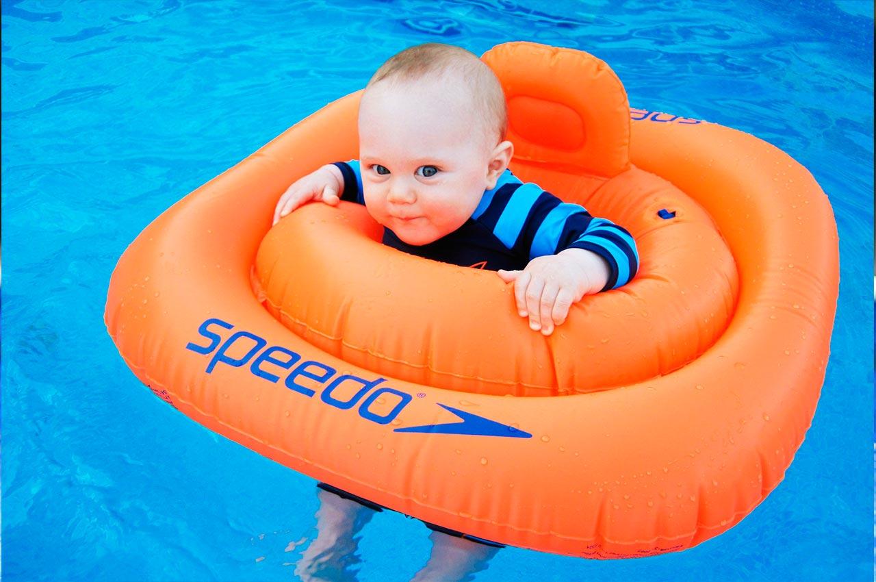 Beneficios natación para bebés