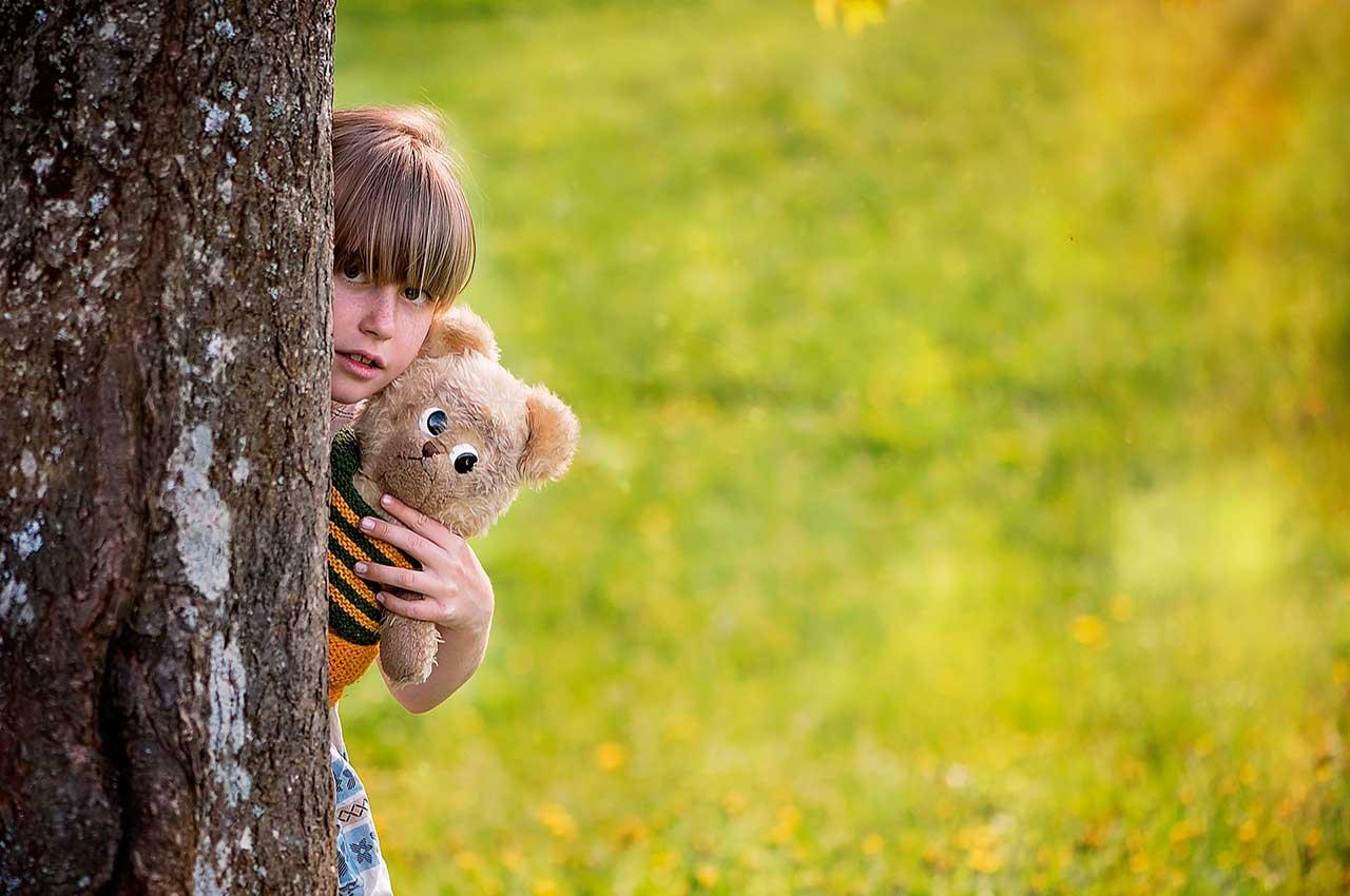Juegos tradicionales para niños, el escondite