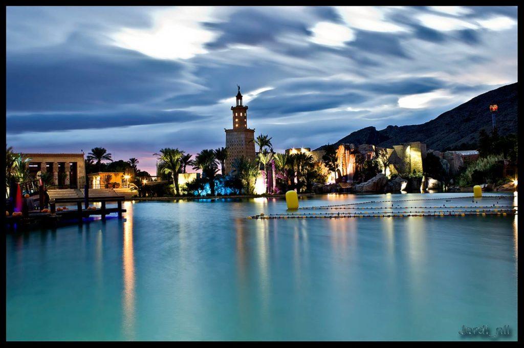 Faro de Alejandría de noche