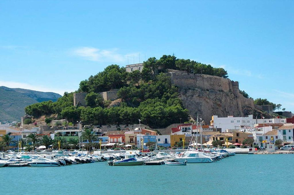 Denia es un pueblo de Alicante con playa