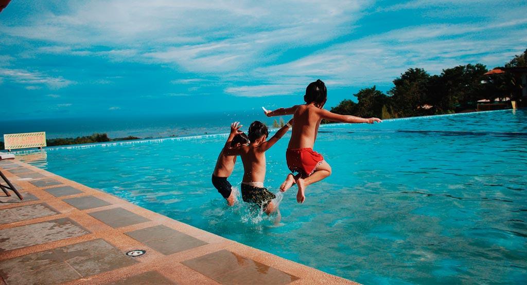 seguridad en piscinas para niños
