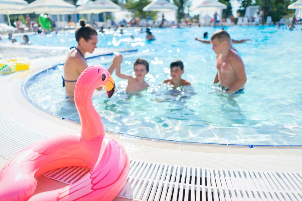 Como aprender a nadar los niños con flotadores