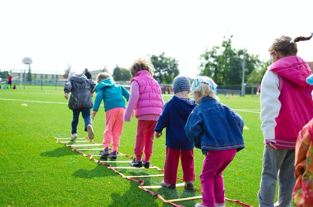 Rutina de ejercicios con niños